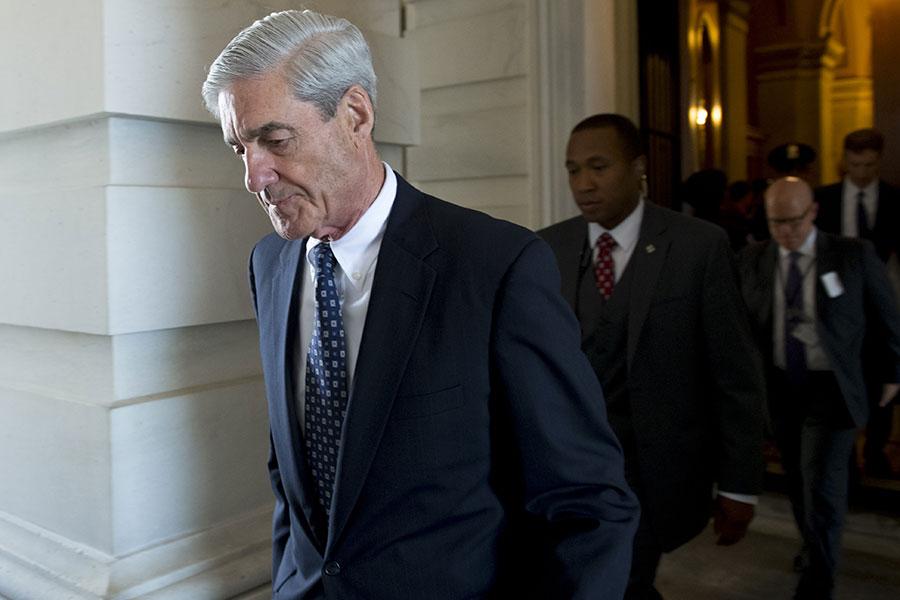通俄門的整個調查被質疑帶有政治動機。圖(左)為特別檢察官穆勒。(SAUL LOEB/AFP/Getty Images)