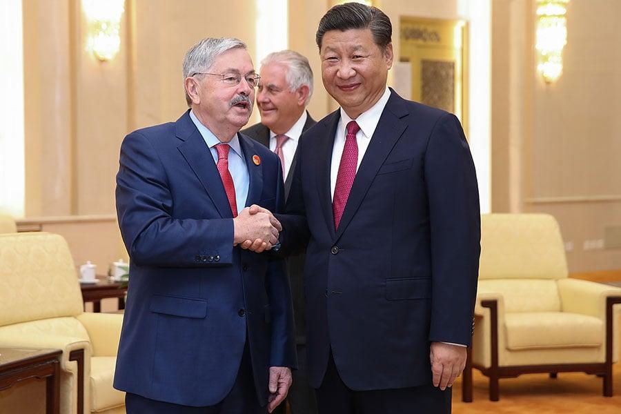 今年70歲的布蘭斯塔德(圖左),被認為是「習近平的老朋友」。(Lintao Zhang/Getty Images)