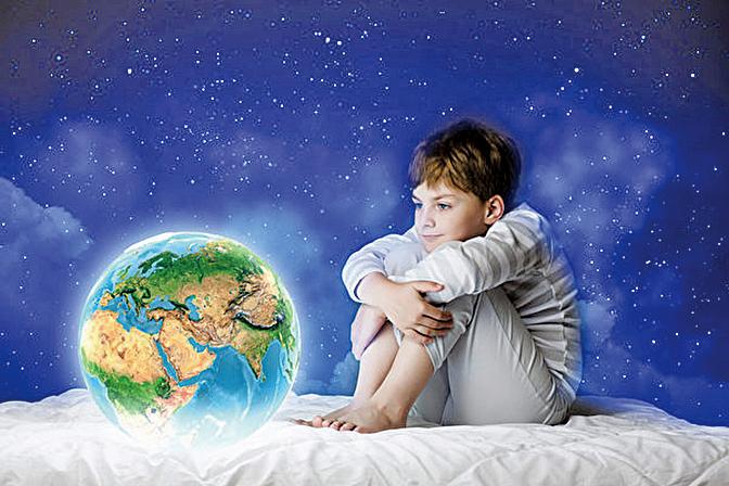 在臨睡前不要過度用腦,保持身體放鬆,心情平和,注意身心健康將減少噩夢的發生,會對多夢睡眠有改善作用。(網絡圖片)