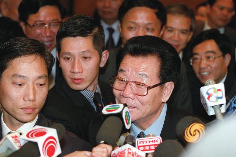 傳李瑞環曾通過特別方式抵抗徐才厚、郭伯雄在軍中的腐敗行為。(AFP)