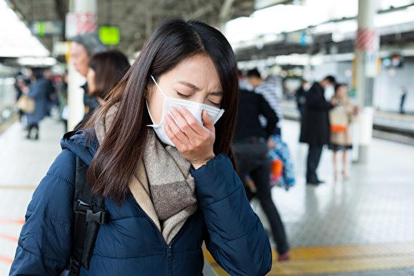 感冒雖是小病,但一直流鼻涕也能讓人難過得無法正常工作或讀書。(fotolia)
