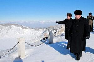 金正恩登白頭山 韓媒:或預示北韓重大變化