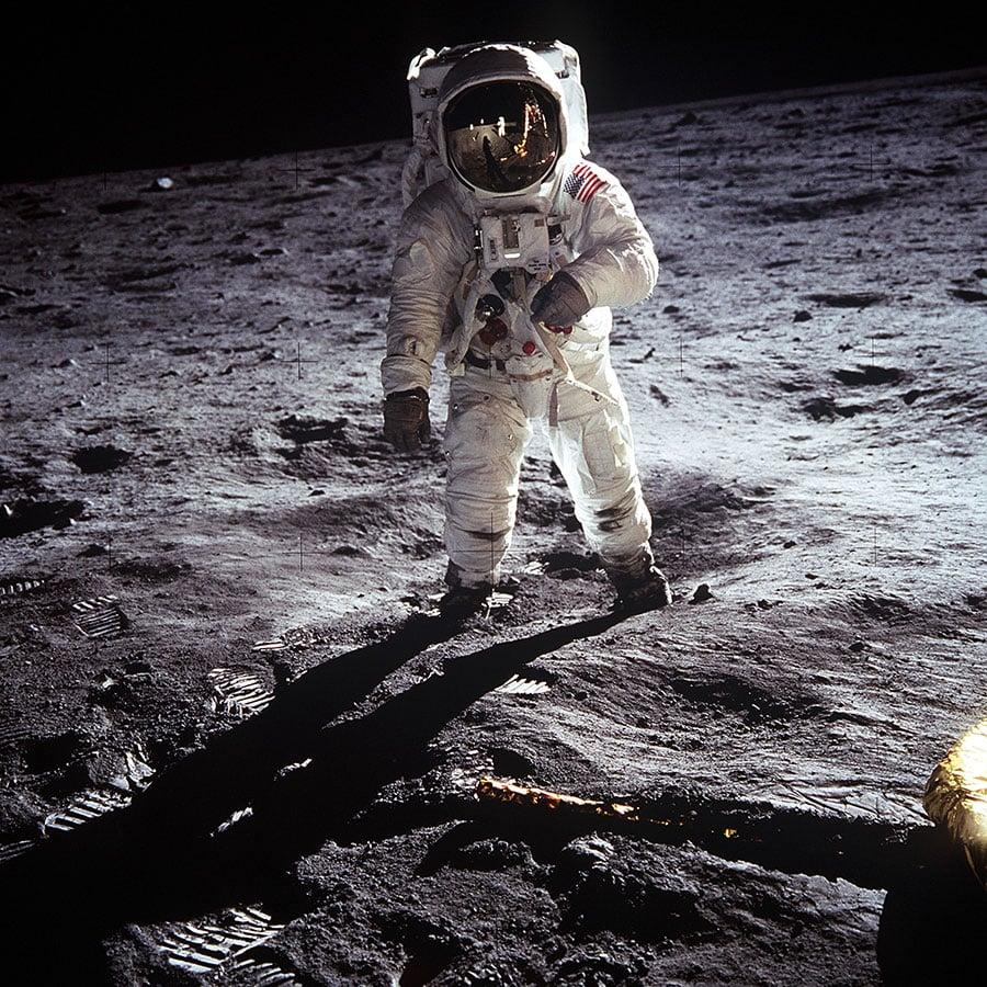 美國總統特朗普周一(12月11日)簽署一項指令,讓美國太空人重返月球,最終再前往火星。圖為1969年7月20日,太空人奧爾德林在月球上。(維基百科公有領域)