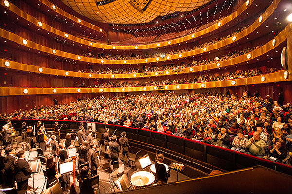 2017年1月15日週日,神韻國際藝術團在紐約林肯中心大衛寇克劇院的兩場演出,全場爆滿。紐約演出圓滿落幕。( 戴兵 / 大紀元)