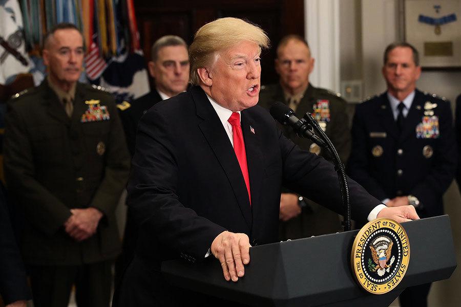 推動強軍和反恐 特朗普簽署國防授權法案