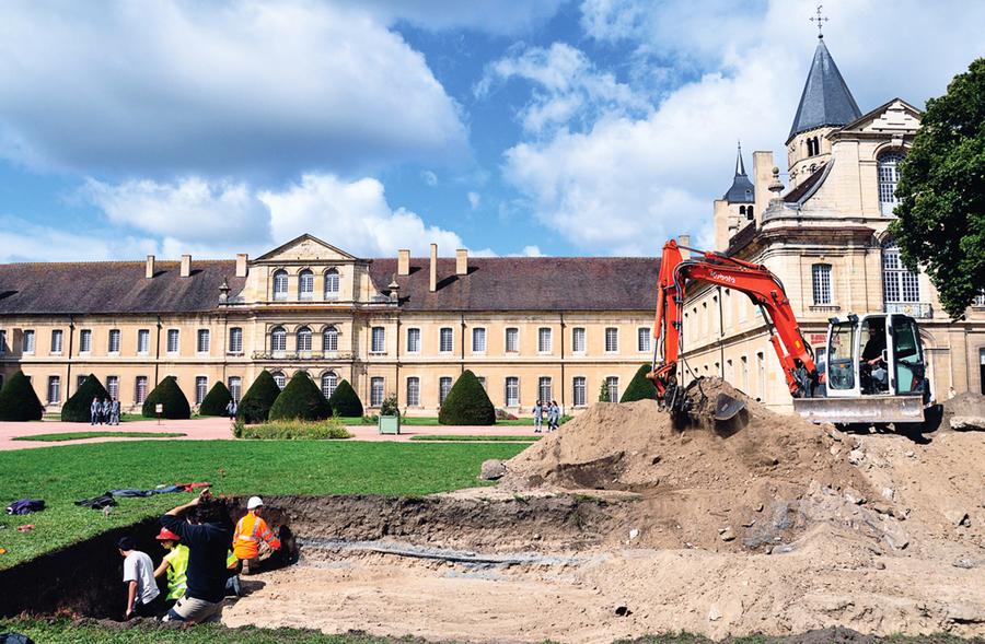 法國修道院發現 罕見金銀幣寶藏