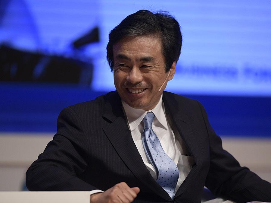 日本經濟產業大臣世耕弘。(JUAN MABROMATA/AFP/Getty Images)