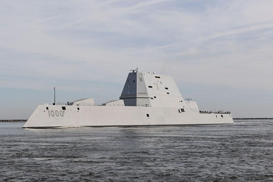 特朗普前幕僚長蒲博思表示,身為三軍統帥的特朗普不需要國會告訴他軍艦可以停在哪裏,這是總統的權責。整體而言,《國防授權法》對台灣人民來說是正面的。圖為美國海軍宋瓦特級驅逐艦。(AFP PHOTO / US NAVY / PO2 Timothy SCHUMAKER)