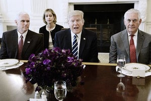 特朗普對付北韓胸有成竹 跟蒂勒森共進午餐