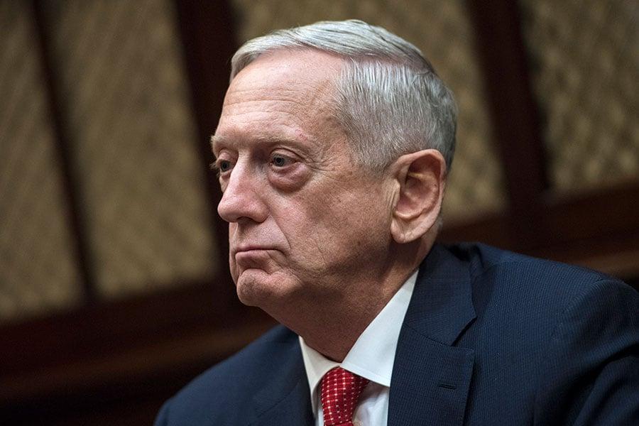 美國國防部長馬蒂斯(Jim Mattis)周五表示,對北韓最近導彈試驗還在進行進一步分析,但他不認為其洲際彈道導彈(ICBM)對美國構成迫在眉睫的威脅。(Kevin Dietsch-Pool/Getty Images)