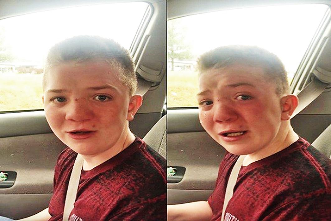 在學校被霸凌的Keaton強忍淚水,不斷地問母親「他們為甚麼要霸凌?」。(影片截圖)