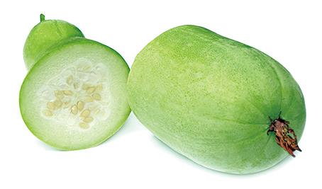 冬瓜的鈉含量很低,利尿功效好,容易消水腫。