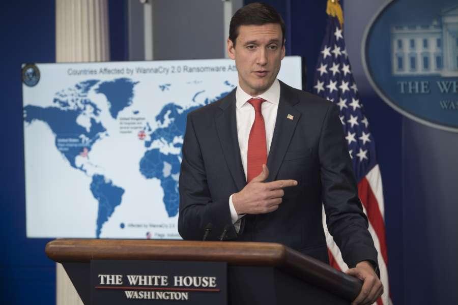 12月19日,白宮國土安全顧問托馬斯.博塞特(Thomas Bossert,如圖)在記者會上說,Facebook及微軟上周成功阻擋了數個來自北韓的網絡黑客威脅。(SAUL LOEB/AFP/Getty Images)