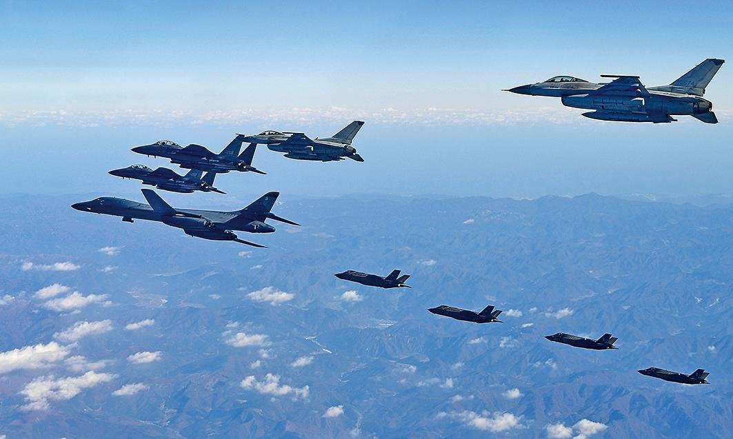 外媒報導,由於威懾及外交方法都行不通,特朗普政府正在建構正面重擊北韓的軍事行動。(AFP)