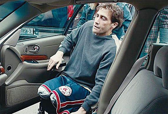 失去雙腿後,原本健全時輕而易舉的事情都變得困難重重,例如開車。