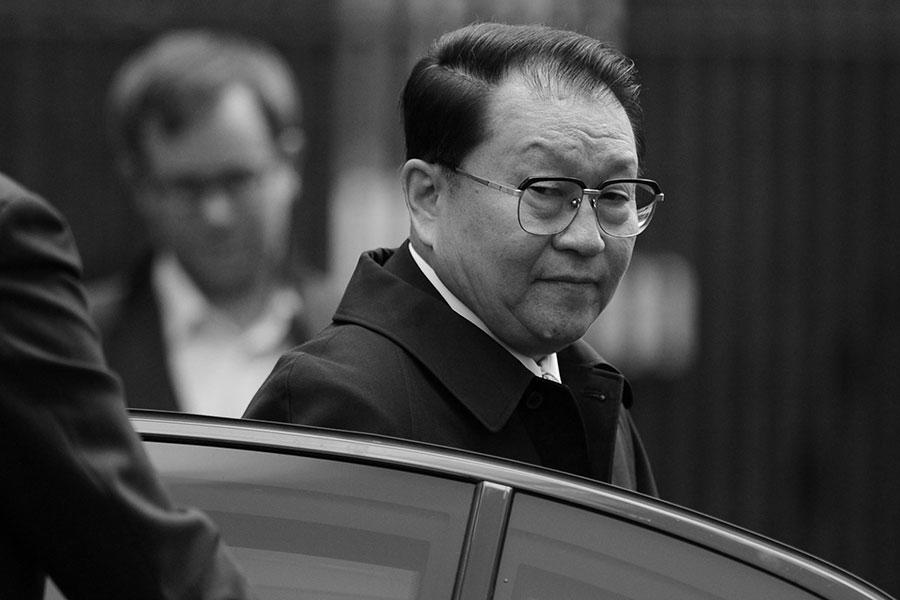 「河南幫」被清洗涉李長春。(CARL COURT/AFP/Getty Images)