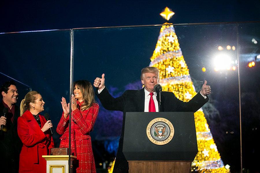 非牟利組織美國優先政策(America First Polices)計劃聖誕節當天密集投放價格為100萬美元的電視廣告,主題為「謝謝你,特朗普總統」。(Al Drago-Pool/Getty Images)