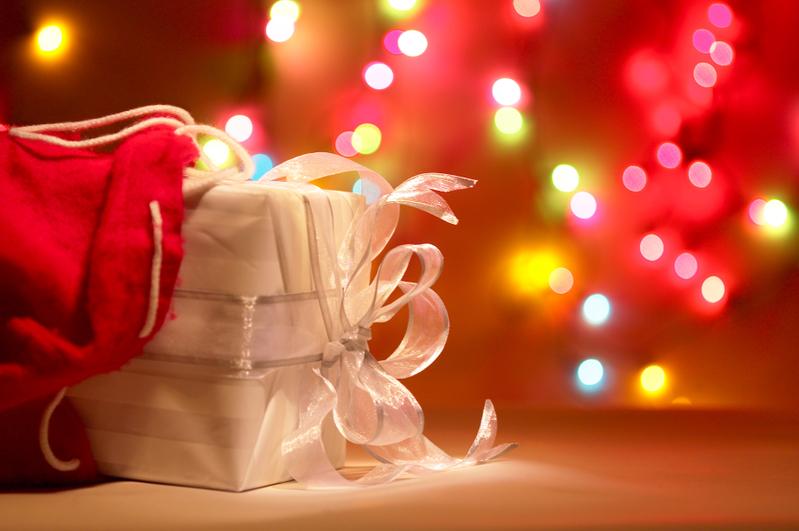 每年聖誕期間,慷慨的美國人會在這個節日做善事回饋社會、幫助他人,這已經成了一個傳統。(Fotolia)