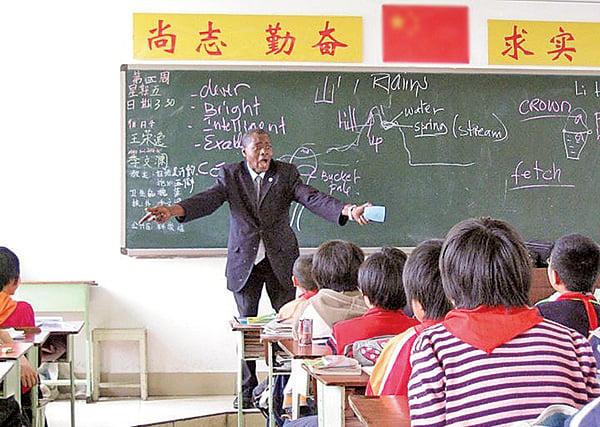 塞恩生動活潑的教學,讓學生很是喜歡。