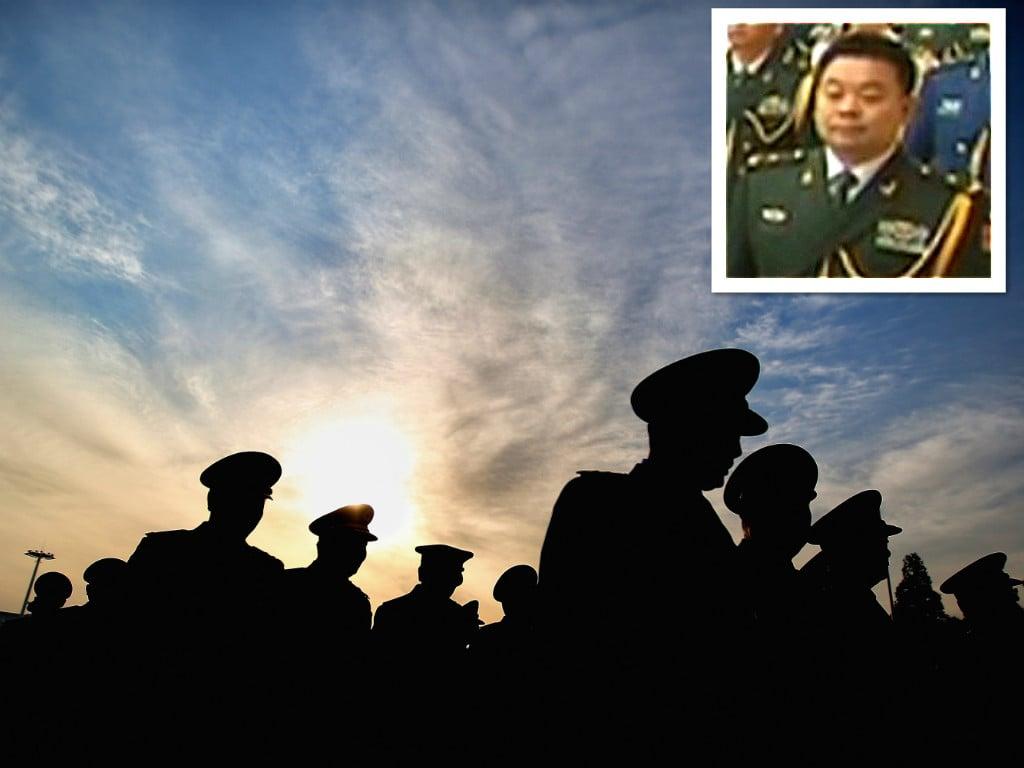中共央視11月2日的畫面顯示,習近平的貼身秘書鍾紹軍已升任少將。(視像擷圖)