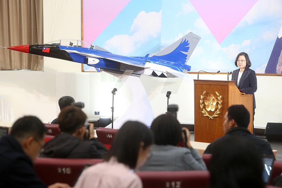 對於兩岸高層缺乏對話,總統蔡英文29日在年終記者會上表示,「談判絕對不是一群人在一個小房間裏講話。」(中央社)