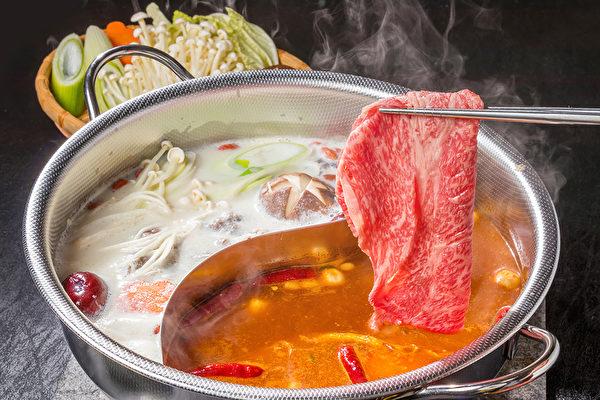 冬季火鍋怎麼吃才能不發胖、不水腫?(Shutterstock)