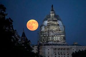 明年1月迎兩次超級月亮 第二次罕遇月全食