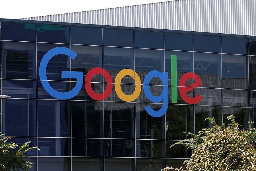英國警告Google、Facebook等科技巨頭公司打擊網絡上極端主義的力度不夠,若不做出進一步措施,英國政府可能會對他們課徵新稅。(Justin Sullivan/Getty Images)