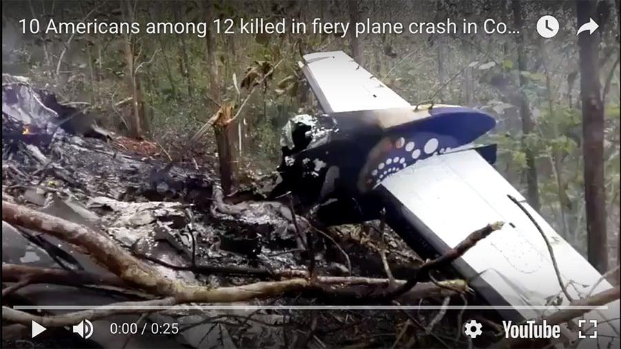 一架小型飛機當地時間周日(12月31日)在哥斯達黎加墜毀,機上12人全部遇難,其中包括10名美國人和兩名當地機組人員,墜機原因不明。(視像擷圖)