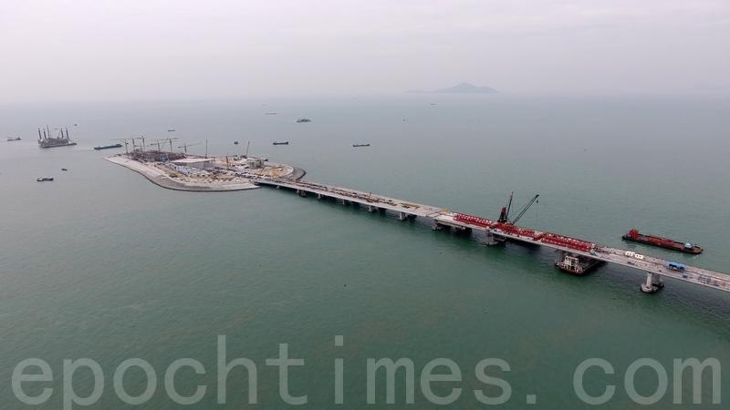 港珠澳大橋香港段工程建築物料爆出造假醜聞,19名被廉署起訴。(大紀元資料圖片)