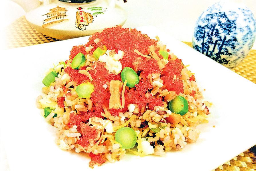 【梁廚美食】魚子瑤柱蛋白炒飯