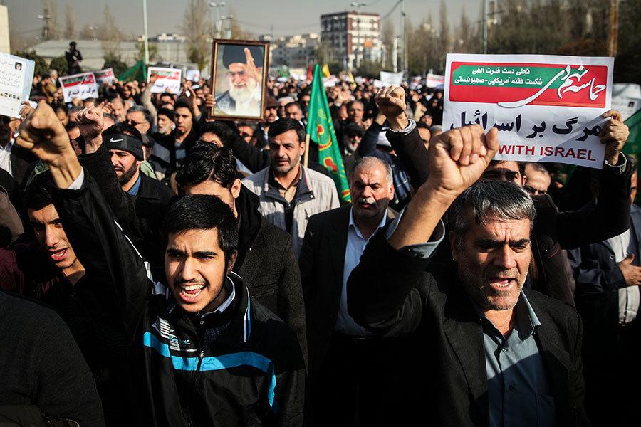 伊朗反政府抗議擴大 12死數百人被捕