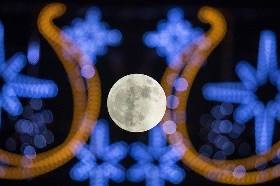 英格蘭的超級月亮。(Matt Cardy/Getty Images)
