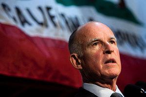 加州成庇護州 路牌驚現「歡迎黑幫和重犯」