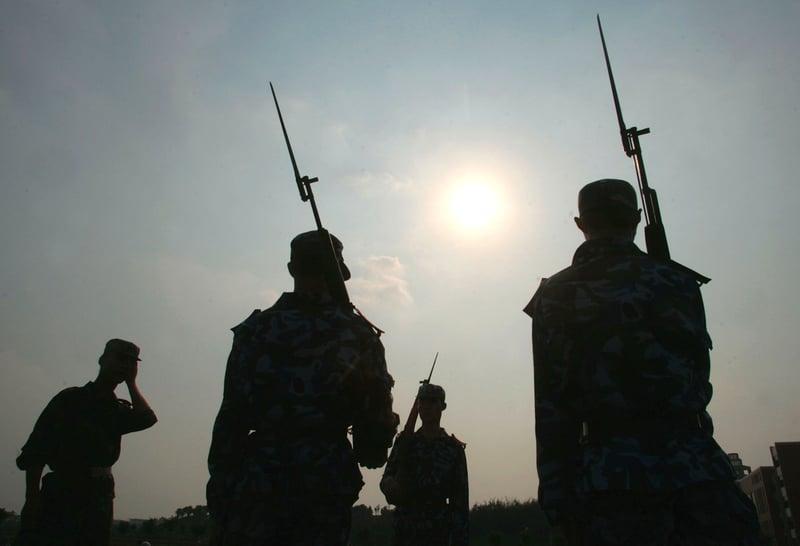1月3日,習近平前往中部戰區陸軍某師進行視察,並罕見強調要實戰訓練、備戰打仗等。(Getty Images)