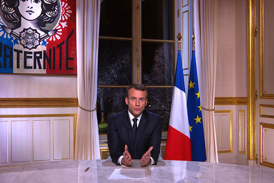 2017年1月31日晚,馬克龍在迎接2018年的總統新年講話中就表示法國人「需要找回歐洲的雄心」,以「面對中國、美國」。(AFP/Getty Images)