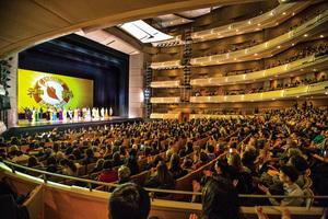 神韻多倫多首場爆滿 觀眾讚頌「神聖超然」