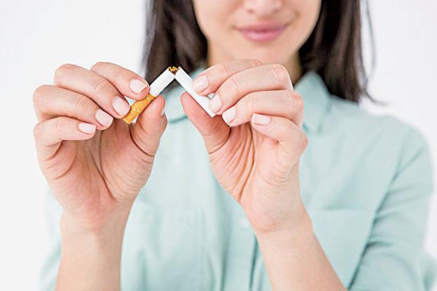 研究發現學習、戒煙和減肥可助於人們延長壽命。(Fotolia)