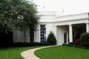 白宮禁止員工在西翼使用私人手機
