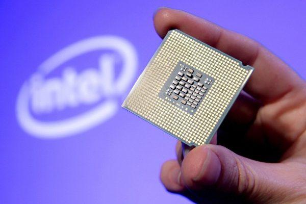 全球晶片生產商Intel、ARM和AMD被爆存在安全漏洞,包括微軟和蘋果公司也要求用戶下載更新修復。(Court Mast/Intel via Getty Images)