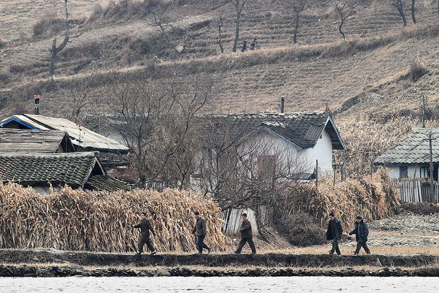 年輕北韓人向父母要新年禮物:出錢供其脫北