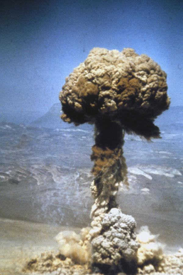 美國疾控中心已經安排在1月16日舉行一場簡報會,告訴公眾如何應對核戰爭。(Keystone/Hulton Archive/Getty Images)103740021