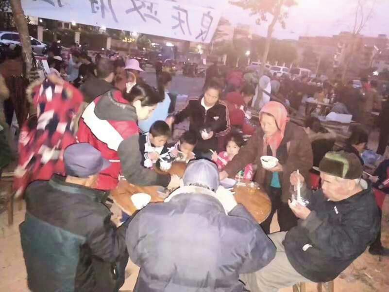 廣西南寧暴力強拆 逾千村民露宿廢墟