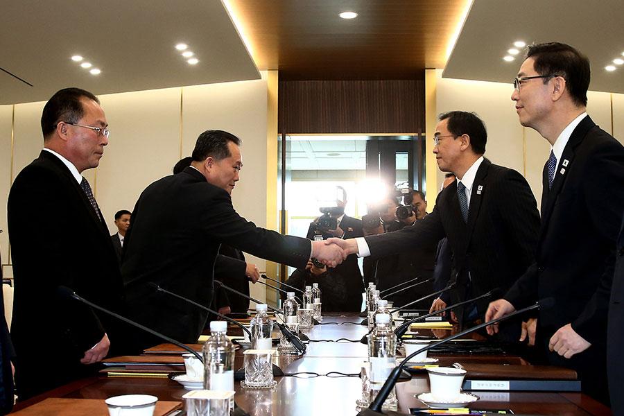 睽違兩年的南韓與北韓會談,1月9日10時(北京時間9時)在板門店南韓一側的「和平之家」展開。(AFP PHOTO/KOREA POOL/South Korea OUT)
