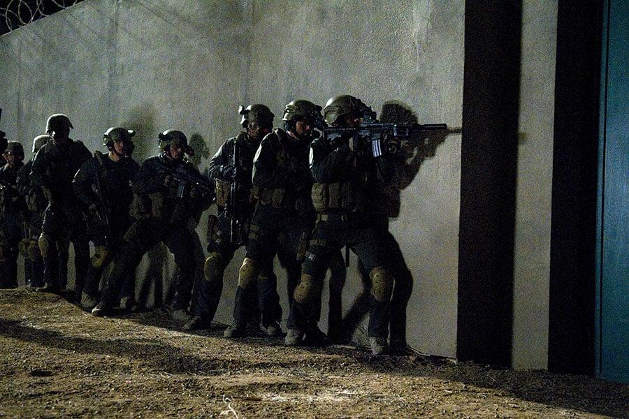 南韓媒體報道,美國特種部隊海豹六隊已在該國訓練了三個月。圖為美國影片《海豹六隊:突襲賓拉登》(SEAL Team Six: The Raid on Osama Bin Laden)中的畫面。(Ursula Coyote/National Geographic Channels/AFP)