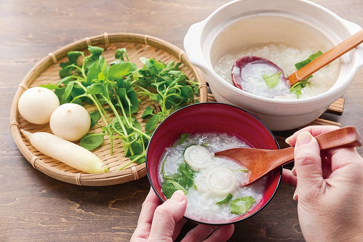 日本習慣在1月7日食用七草粥。(iStock.com)