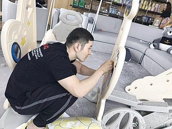 黃曉明在家為囝囝砌了遊樂場。(網絡圖片)