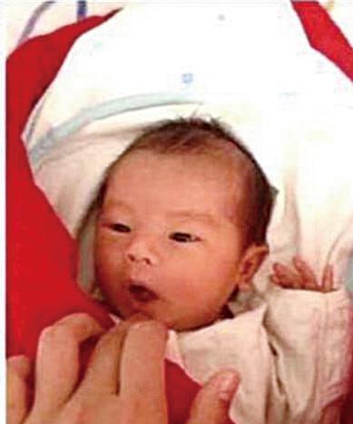 Angelababy日前曬出兒子「小海綿」照片。(網絡圖片)