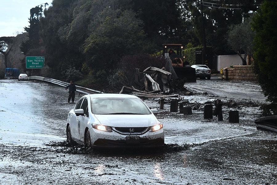 美加州泥石流衝擊明星富人區 高速變泥水河