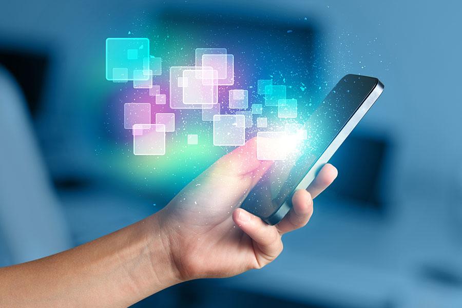 2014年,疾病控制中心發表公開聲明,敦促謹慎使用手機。(Fotolia)